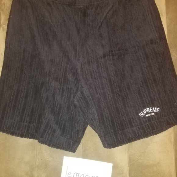 9901da286c03 Supreme Cable Knit Terry Shorts. NWT. Supreme. M 5b29c93b03087cc190612132.  M 5b29c948aa5719ba143d7e98. M 5b29c952a31c334e4a07f84c